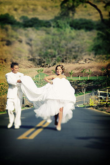 Will and Raquel hit the road after their wedding in Maui